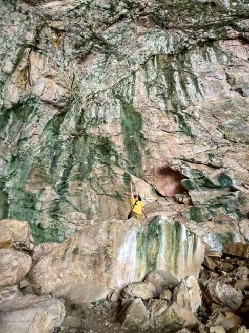 Peshna Cave